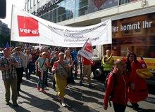 Warnstreik der Versicherungsbeschäftigten am 13. Mai 2015 in Stuttgart