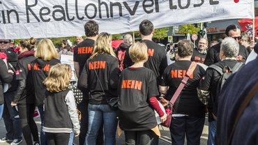 Kein Reallohnverlust für Banker in 2016 - ver.di auf der Mai-Demo in Berlin.