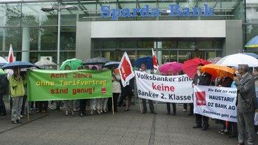 Mittagspausenprotest vor der Sparda-Bank in Hannover