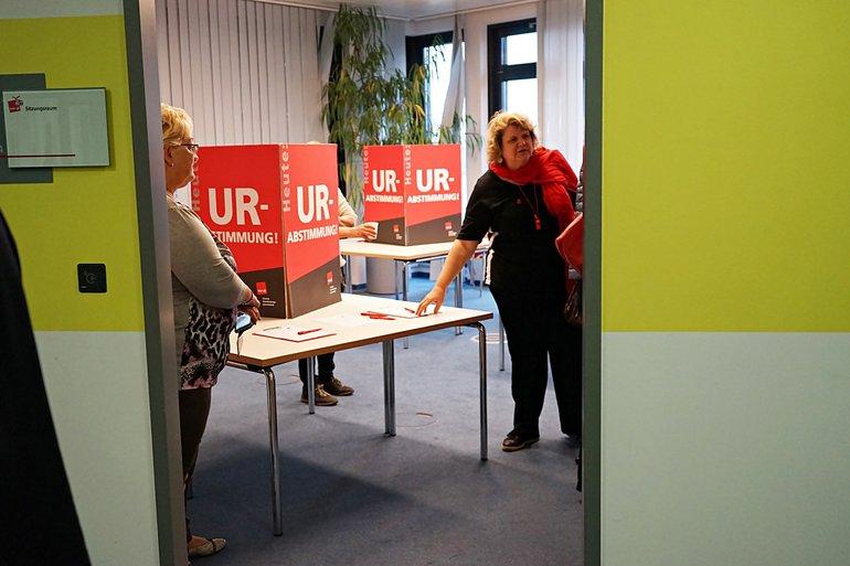 Start der Urabstimmung in Berlin am 12.10.2017