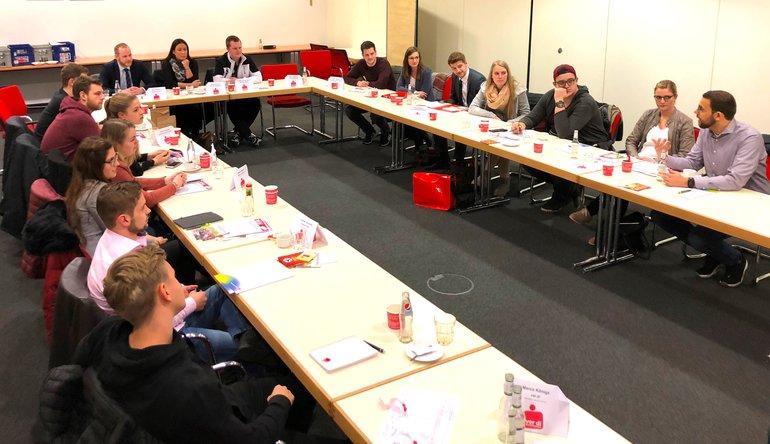 JAVen der Sparkassen in NRW bei ihrer Tarifkonferenz