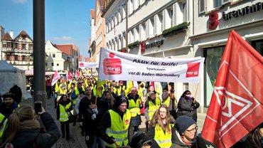 Sparkassenbeschäftigte im Bezirk Fils-Neckar-Alb bei den Warnstreiks zur TRöD 2018 (20.03.2018)