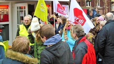 Beschäftigte der Sparkasse Vest Recklinghausen im Warnstreik (21.03.2018)