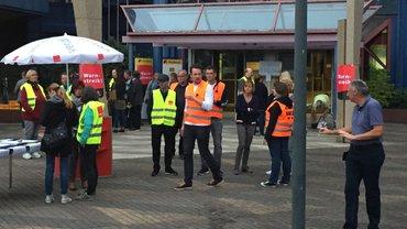 130 Kolleg*innen streiken in Frankfurt