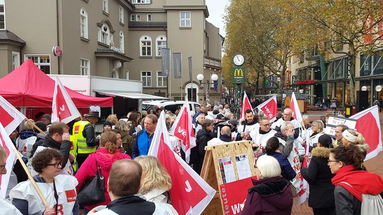 Streikende der Sparda-Banken in Hamburg