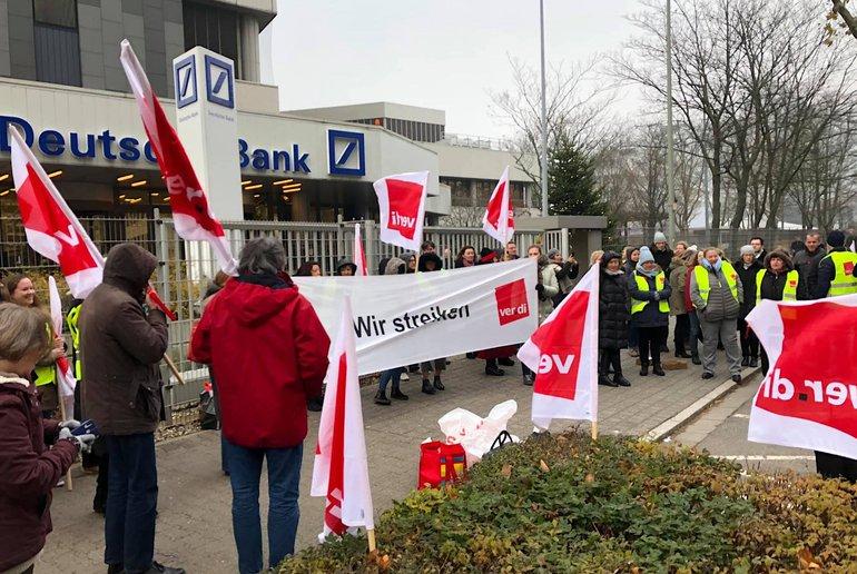 Warnstreik bei der DB HR Solutions GmbH in Eschborn