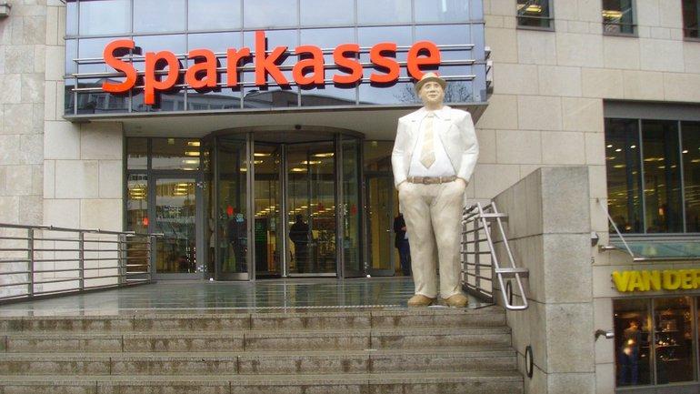 Sparkassen Eingang