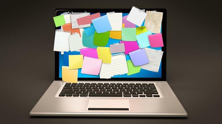 Post-it Laptop Notebook To-Dos agiles Arbeiten Verantwortung Stress