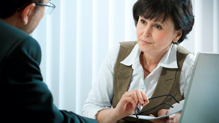 Beraterin in einer Bank