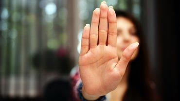 Abweisende Hand