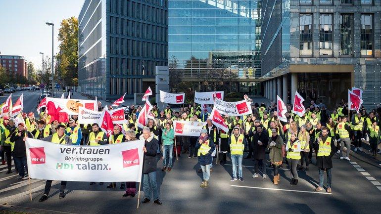 Tarifrunde Versicherungen Aktion Streik